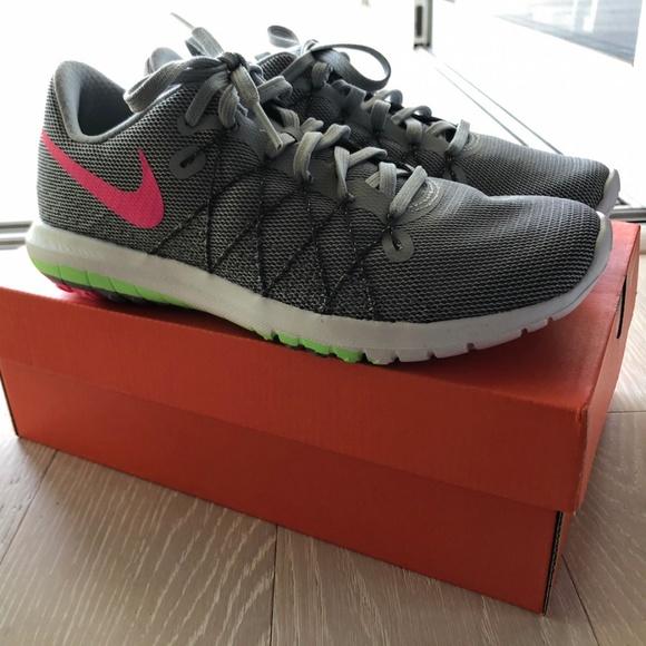 d02977555ff76 NEW Nike Womens Flex Fury 2 Grey   Pink   Green